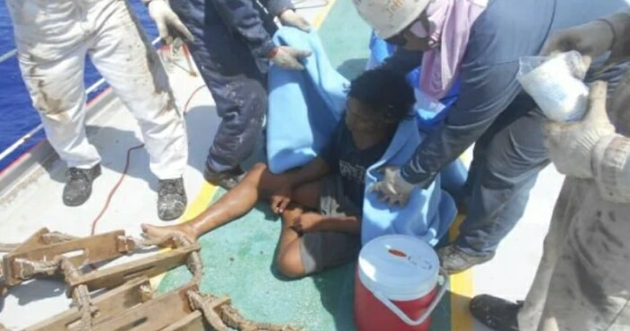 How This Indonesian Teenager Survived While Stranded at Sea For 49 Days - WORLD OF BUZZ 2