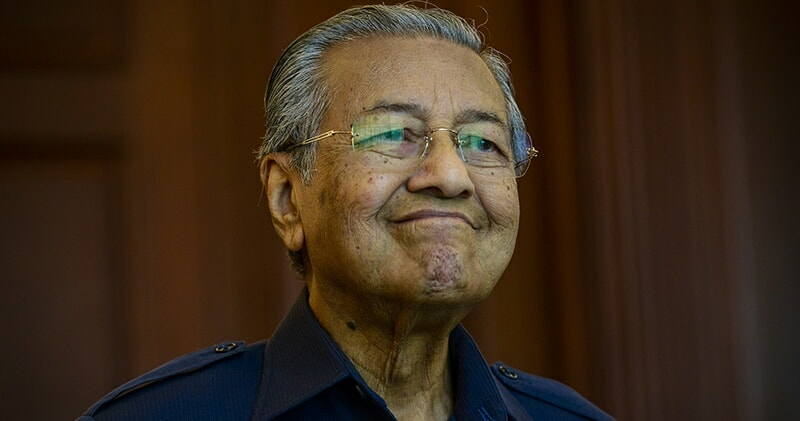 Tun M: Thanks to Malaysian Natural Rubber, the World's Population is Under Control - WORLD OF BUZZ
