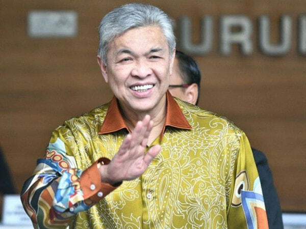 BREAKING: MACC Has Just Arrested Umno President Zahid Hamidi - WORLD OF BUZZ