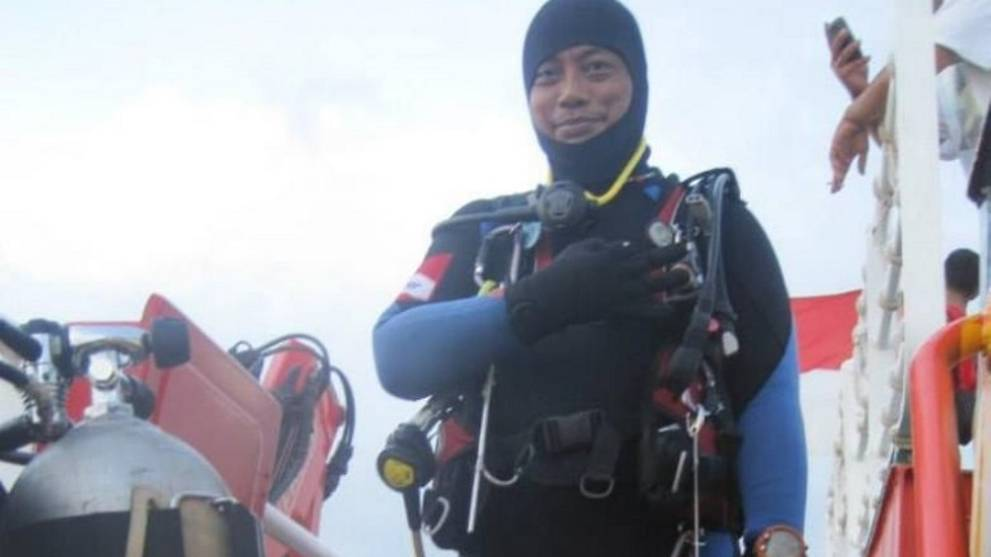 Diver Sadly Passes Away During Search Mission for Crashed Lion Air Plane - WORLD OF BUZZ