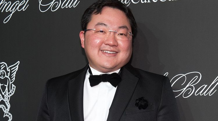 Jho Low Gifted Miranda Kerr A Transparent Piano But It's Too Huge to Be Surrendered to Authorities - WORLD OF BUZZ 3