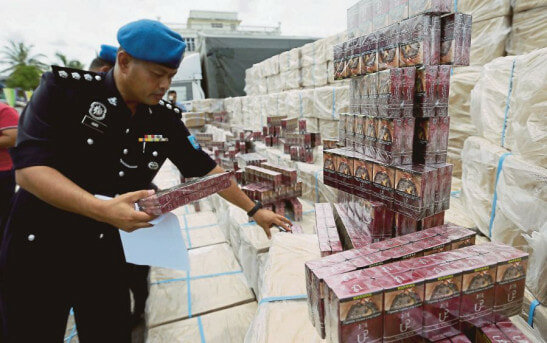 M'sian Government Loses RM5 Billion Every Year Due to Contraband Cigarettes - WORLD OF BUZZ 1