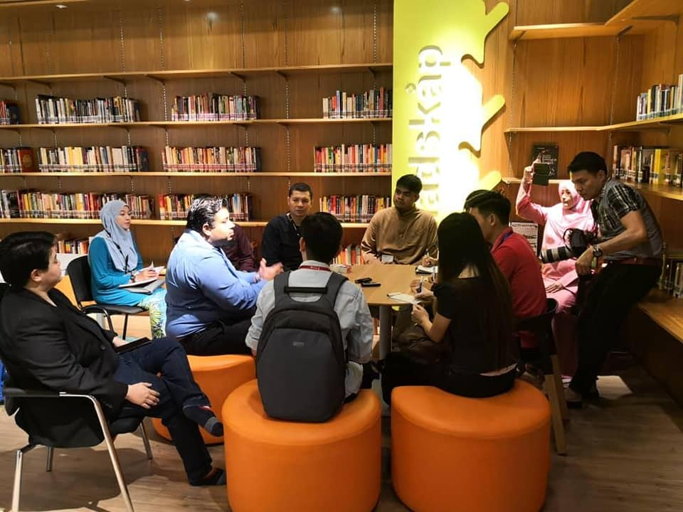 There's A Free Public Library Now Opened in This PJ Mall with Over 5,000 Books! - WORLD OF BUZZ 1