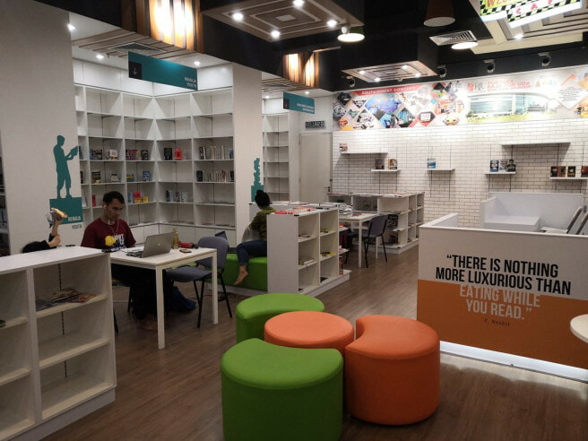 There's A Free Public Library Now Opened in This PJ Mall with Over 5,000 Books! - WORLD OF BUZZ 2