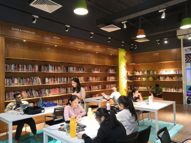 There's A Free Public Library Now Opened in This PJ Mall with Over 5,000 Books! - WORLD OF BUZZ 3