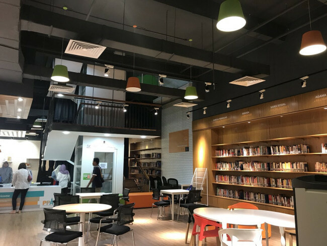 There's A Free Public Library Now Opened in This PJ Mall with Over 5,000 Books! - WORLD OF BUZZ 5
