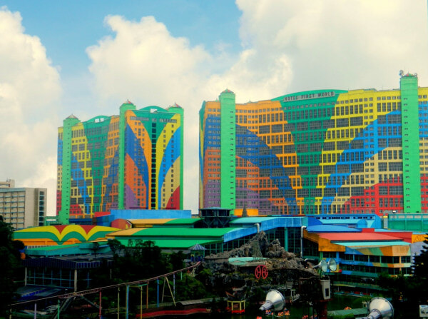 """Tourist"" Scammers Spotted in Genting Highlands Targeting People Who Are Alone - WORLD OF BUZZ 2"