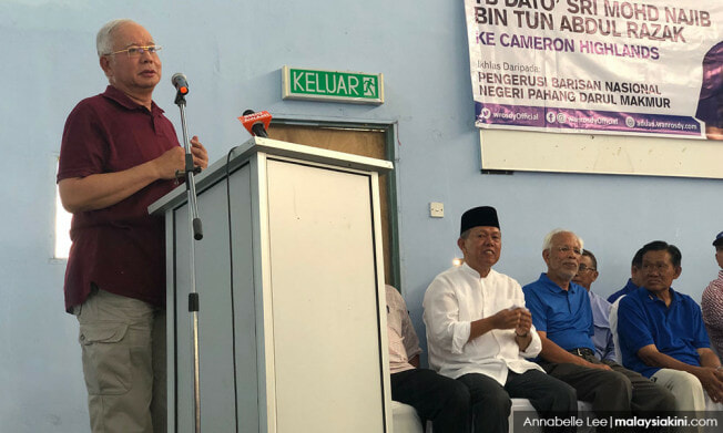 Chef Wan Wants To Babap Najib For Claiming Felda's Golden Era Was During BN's Time - WORLD OF BUZZ 1