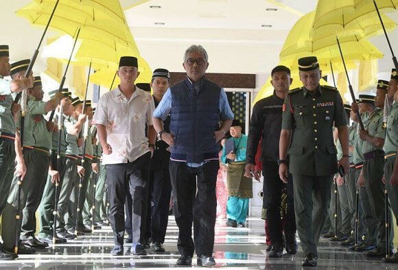 Here Are XXX Things You Didn't Know About The New Agong on The Block - WORLD OF BUZZ 1