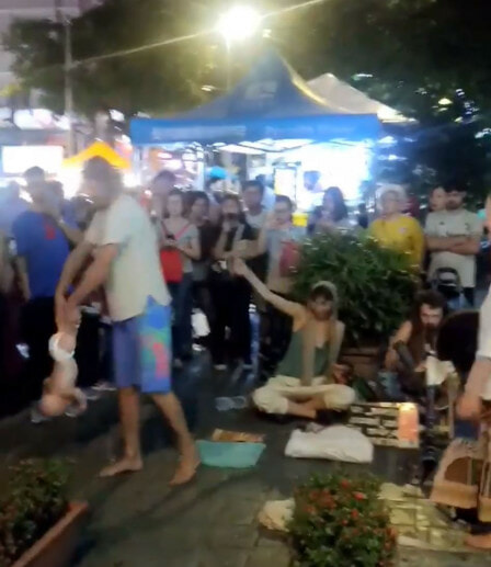 Ang Mo 'Begpackers' Seen Doing Stunts with Baby for Money in Bukit Bintang - WORLD OF BUZZ 1