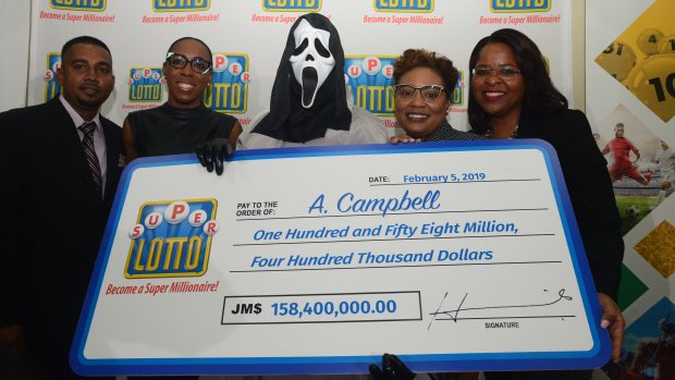 Lottery Winner Collects Cheque Dressed As Ghostface From Scream To Hide Identity From Family - WORLD OF BUZZ 3