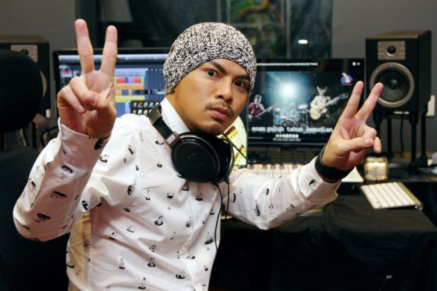 Namewee - WORLD OF BUZZ 1