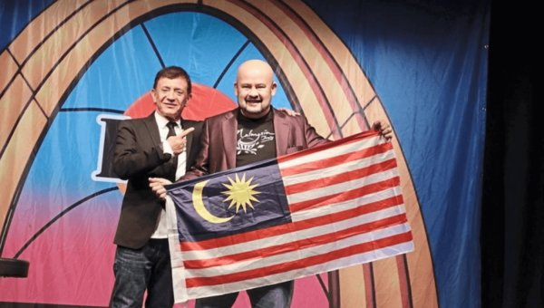 No Laughing Matter! 'World's Funniest Person' Winner Harith Iskander Sues Event Organisers Over Unpaid Prize Money - WORLD OF BUZZ 1