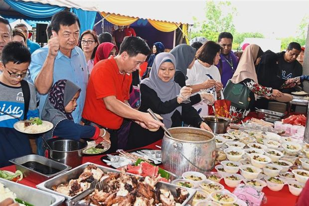 Penang Mosque Holds Chinese New Year Gathering For Community - World Of Buzz