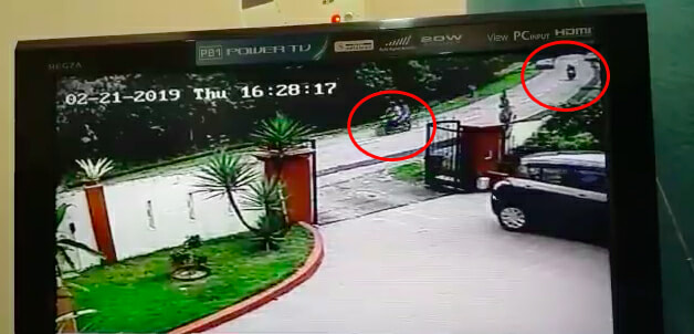 Seven Robbers With Parang Ambush Man Who's Parking Car In Puchong House - WORLD OF BUZZ 1