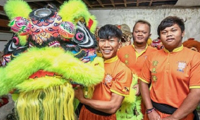 These 3 Young Malay Guys Love Lion Dance So Much, They Joined a Troupe 5 Years Ago - WORLD OF BUZZ 3