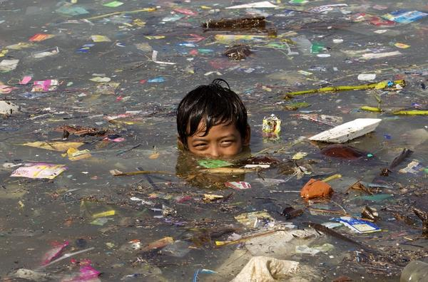 Volunteers Clean 45 Tonnes Of Garbage Off Manila Bay Beach, You Won't Believe The Transformation - WORLD OF BUZZ 2