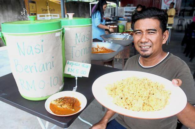 You Can Get Nasi Briyani from This Penang Stall for Just 10 sen! - WORLD OF BUZZ