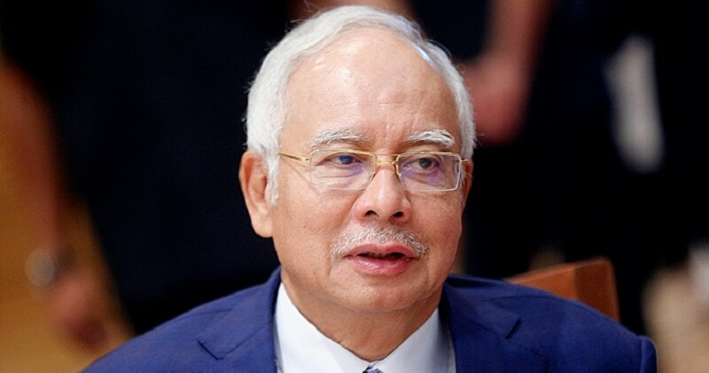 Najib Goes To Toilet Without Informing Court, Judge Pauses Proceedings To Look For Him - WORLD OF BUZZ
