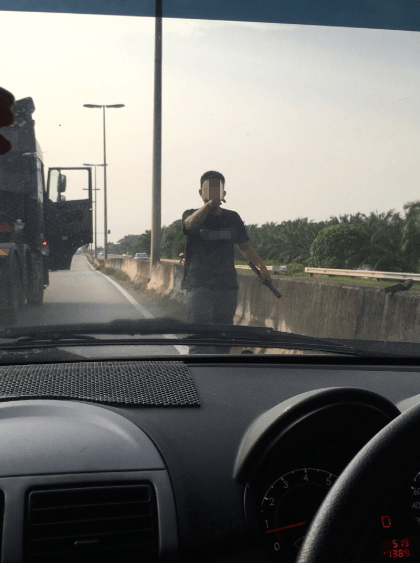 Netizen Shares Experience Of Almost Being Run Over By A Truck - World Of Buzz 2