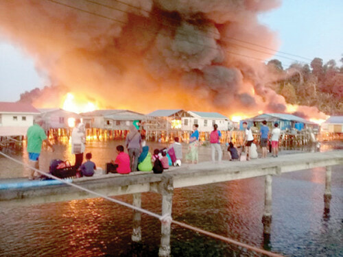 Over 30 Houses In Sandakan Burnt Down, Met Dept Issues Code Red Warning For These States - World Of Buzz 1