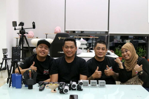 """Real Life Ghost Hunters Say M'sian Ghosts More """"aggressive"""" Than S'pore's - World Of Buzz 2"""