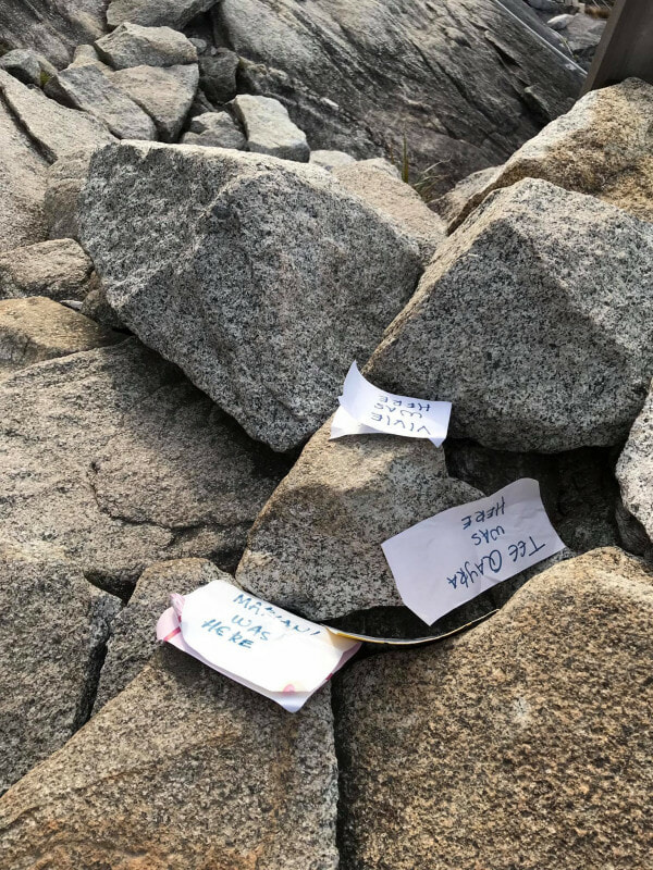 Tourists Leaving Behind Notes With Their Names On Top Of Mount Kinabalu - WORLD OF BUZZ 2