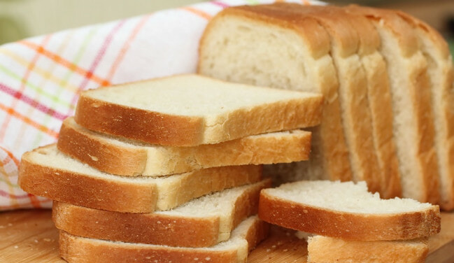 Eating Bread for Breakfast Frequently Increases Risk of Breast Cancer, Nutritionist Says - WORLD OF BUZZ