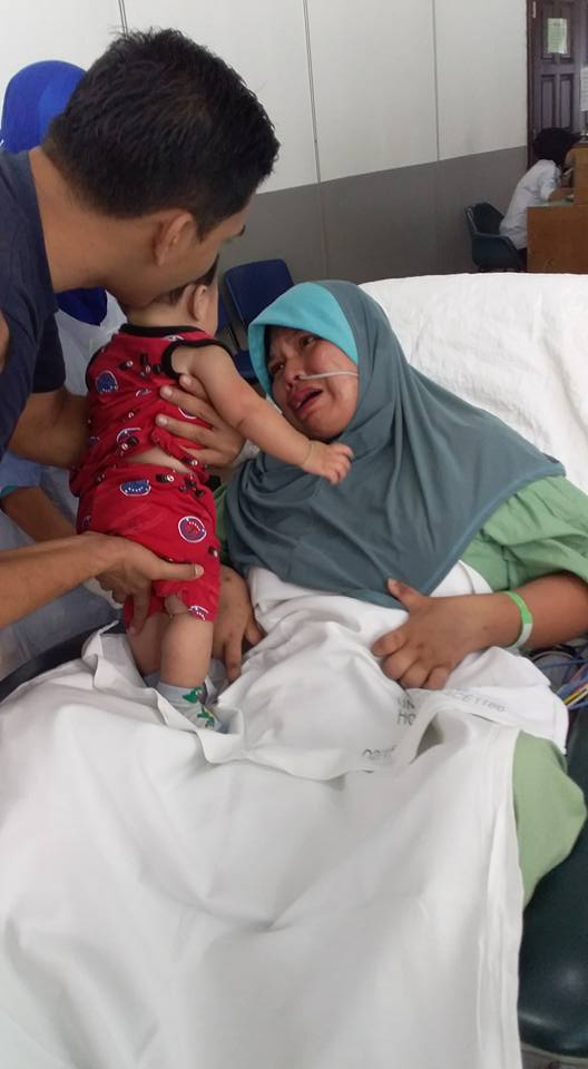 M'sian Woman Falls into Coma During C-Section, Gets Emotional After Finally Meeting Her Baby 5 Months Later - WORLD OF BUZZ