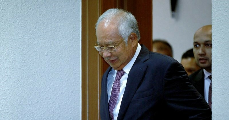 Najib Spend Gave More Than RM200,000 on Content & Writers For Ah Jib Gor FB Account - WORLD OF BUZZ