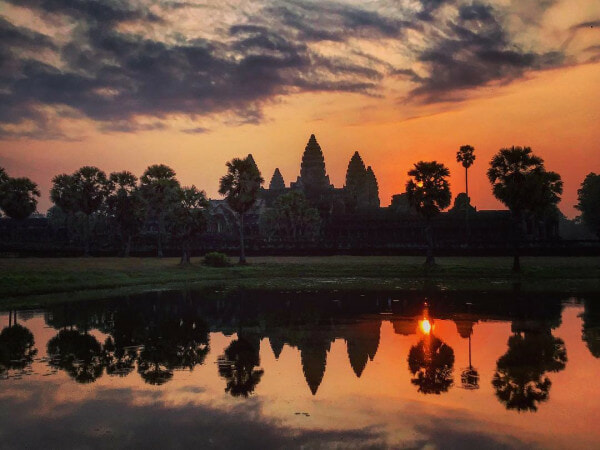 [Test] Watch the Sunrise Over Angkor Watt & X Other Things M'sians Should Have on Their Bucket List - WORLD OF BUZZ 2