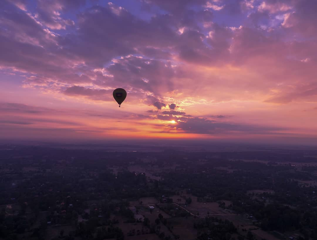 [Test] Watch the Sunrise Over Angkor Watt & X Other Things M'sians Should Have on Their Bucket List - WORLD OF BUZZ 5