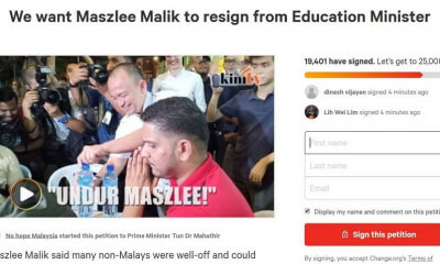 "Angry Malaysians are Demanding ""Controversial"" Maszlee to Resign from Minister of Education - WORLD OF BUZZ 2"
