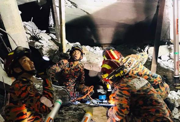 Carpark at Gombak LRT Station Collapses, 2 Injured & 1 Still Trapped in Rubble - WORLD OF BUZZ
