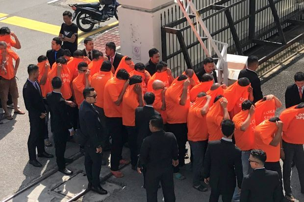 JPJ Officer Faces 660 Years in Jail For Lorry Driver Protection Bribes, 8 Others Face Similar Charges - WORLD OF BUZZ 1