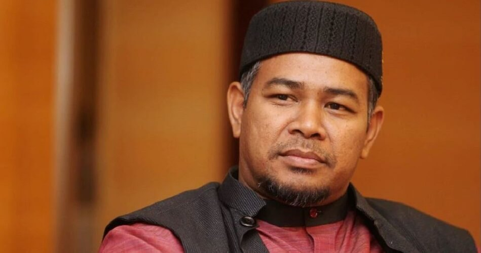 PAS Member: Non-Muslim Students Should Learn Pendidikan Islam to Strengthen Unity & Harmony  - WORLD OF BUZZ 3