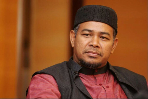 PAS Member: Non-Muslim Students Should Learn Pendidikan Islam to Strengthen Unity & Harmony  - WORLD OF BUZZ
