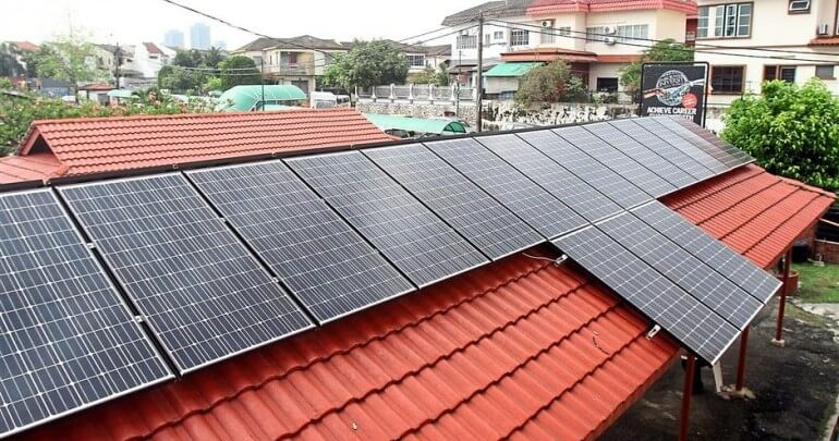 M'sia Aims to Have all Roofs in Peninsular M'sia Fitted With Solar Panels to Save 1.4 Times More Electricity - WORLD OF BUZZ