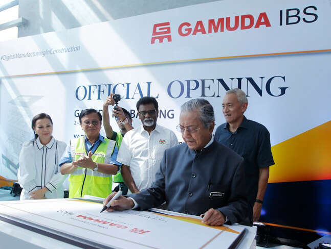 Tun M: There'll Be 100,000 Affordable Homes Built By End of 2019 - WORLD OF BUZZ