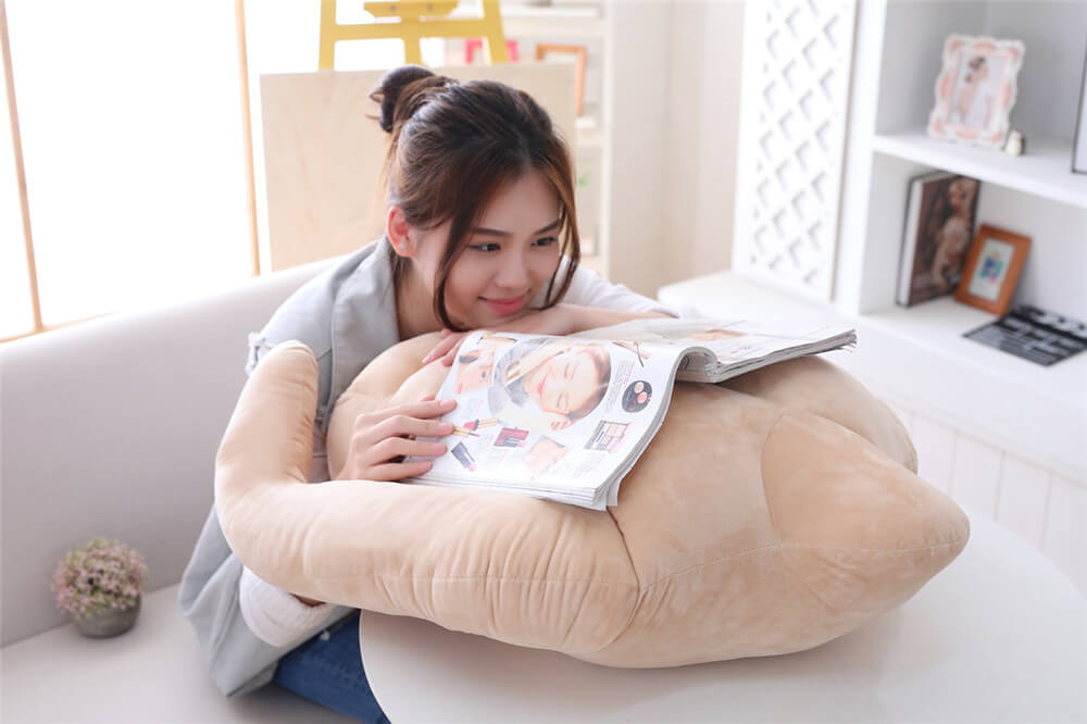 You Can Now Buy a Muscular BF Pillow with Six-Pack Abs For All The Cuddles You Want! - WORLD OF BUZZ 2