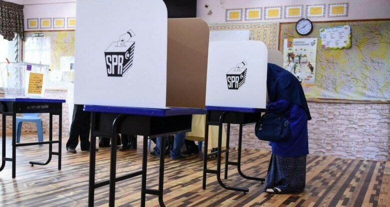 Are We Ready To Vote At The Age Of 18? M'sians Remain Divided Over Decision To Voting Reform - World Of Buzz
