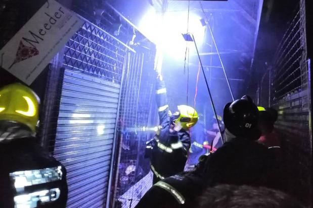 Fire Destroys Over 100 Shops At Chatuchak Market, Likely Caused By Transformer Blast - WORLD OF BUZZ 1
