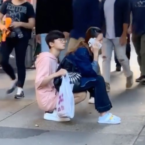 Viral Video Proves People Can Do Stupid Things For Love - WORLD OF BUZZ 1