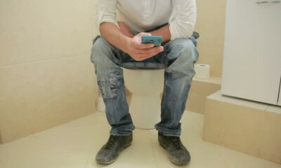 Man Attempts To Break World Record By Sitting On A Toilet For 115 Hours - WORLD OF BUZZ