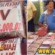 Sabah Man Spotted Selling HIV Cure For RM35,000 At Night Market - WORLD OF BUZZ 4