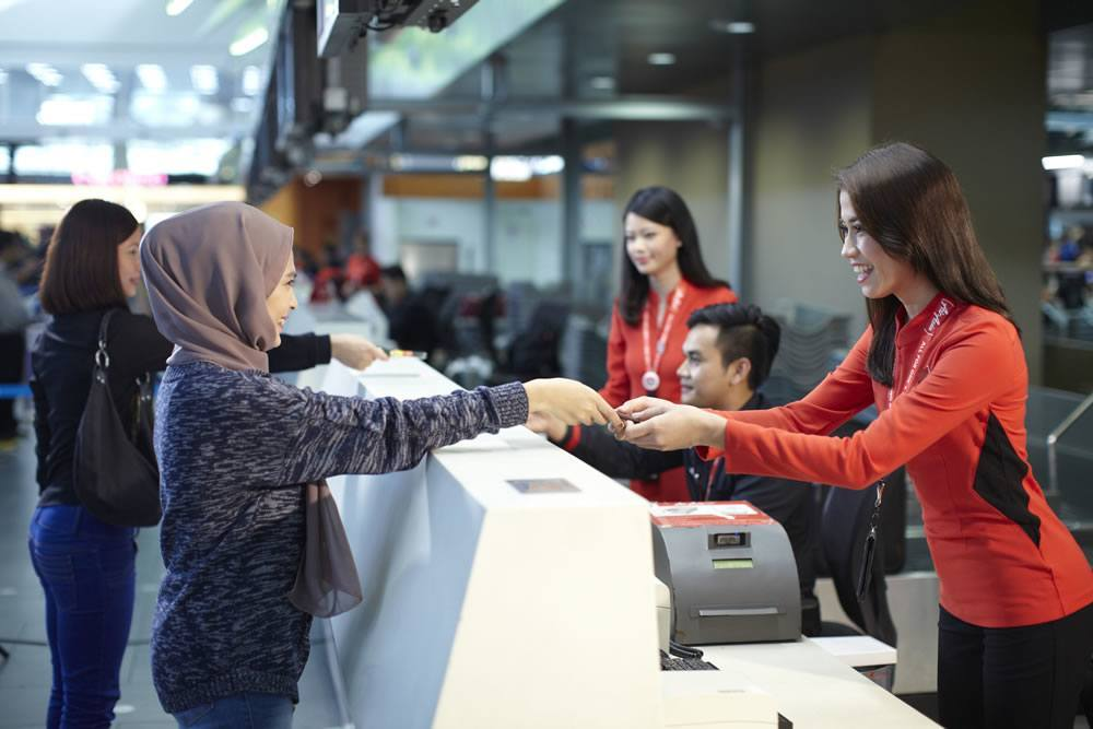 Starting October, AirAsia Announces That They Will Remove Processing Fees for Flight Tickets - WORLD OF BUZZ 1