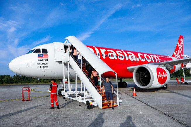Starting October, AirAsia Announces That They Will Remove Processing Fees for Flight Tickets - WORLD OF BUZZ