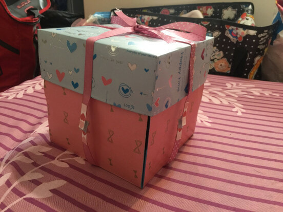 """""""This is Useless Rubbish,"""" Guy Says After GF Gives Him Present She Had Lovingly Made - WORLD OF BUZZ"""