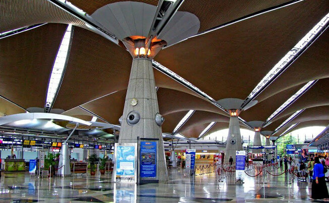20 Flights Delayed in KLIA Due to System Issues, Passengers Advised to Reach KLIA & klia2 4 Hours Earlier - WORLD OF BUZZ
