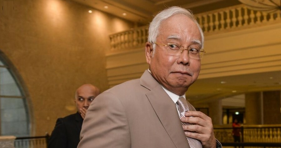 """Najib Says What He REALLY Meant About """"Cash is King"""" is That The 'Rakyat' are Kings - WORLD OF BUZZ 1"""